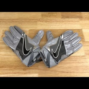 Nike Accessories - Nike Vapor Jet 4.0 Football Skill Gloves PGF412
